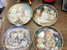 4 LIMITED EDITION FRANKLIN MINT DISPLAY PLATES SUE WILLIS TEDDY BEARS & KITTENS